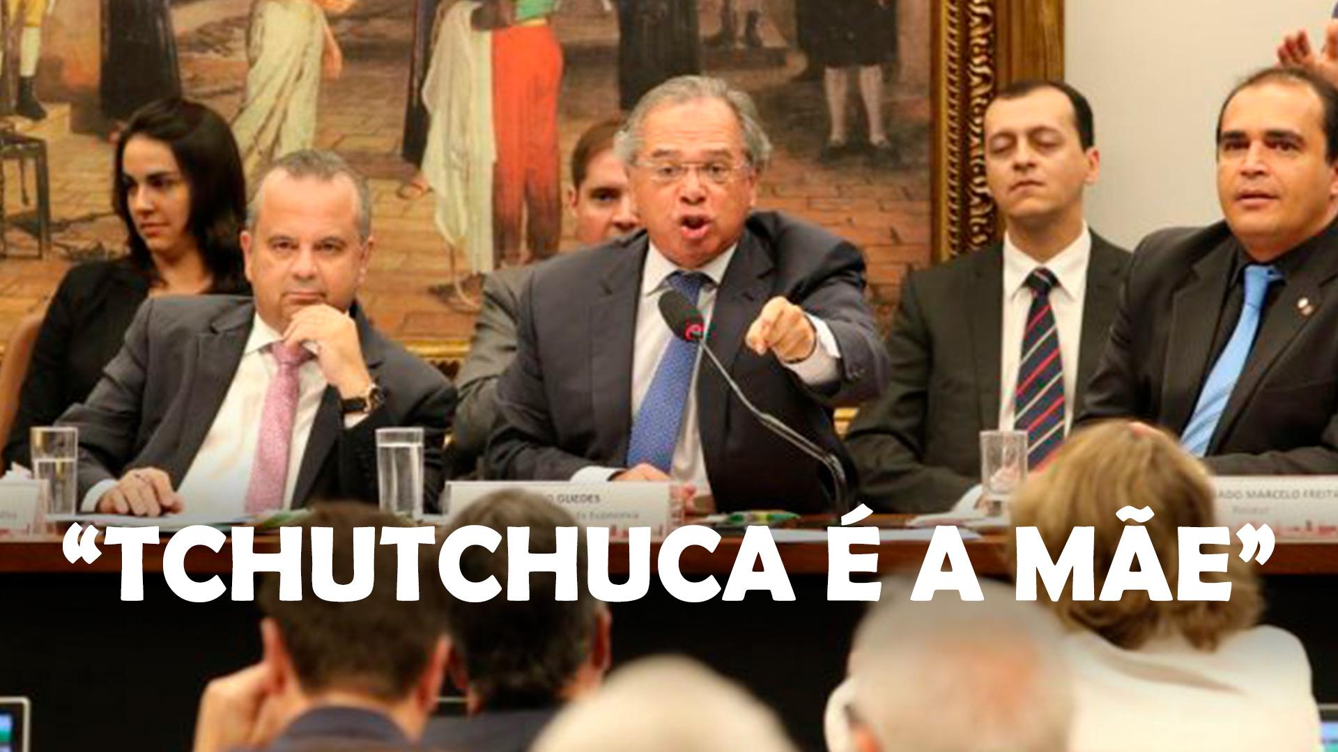 """O ministro da Economia, Paulo Guedes, na Comissão de Constituição e Justiça (CCJ) da Câmara, debate a reforma da Previdência. Escrita na imagem diz """"Tchutchuca é a mãe""""."""