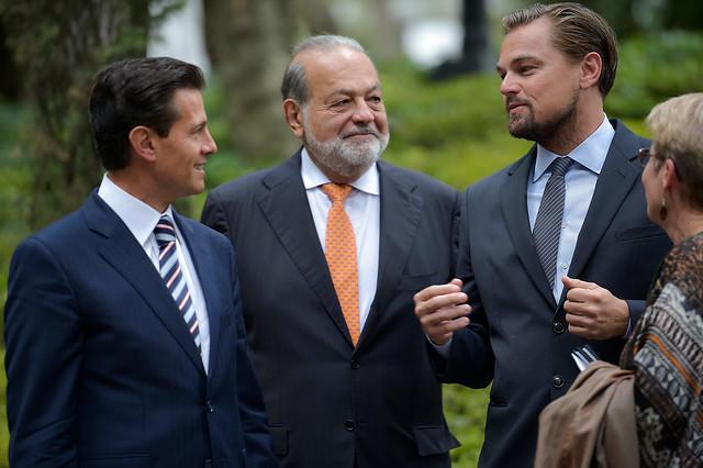 Da esquerda para direita: o ex-presidente do México Enrique Peña Nieto, o empresário Carlos Slim e o ator Leonardo Di Caprio