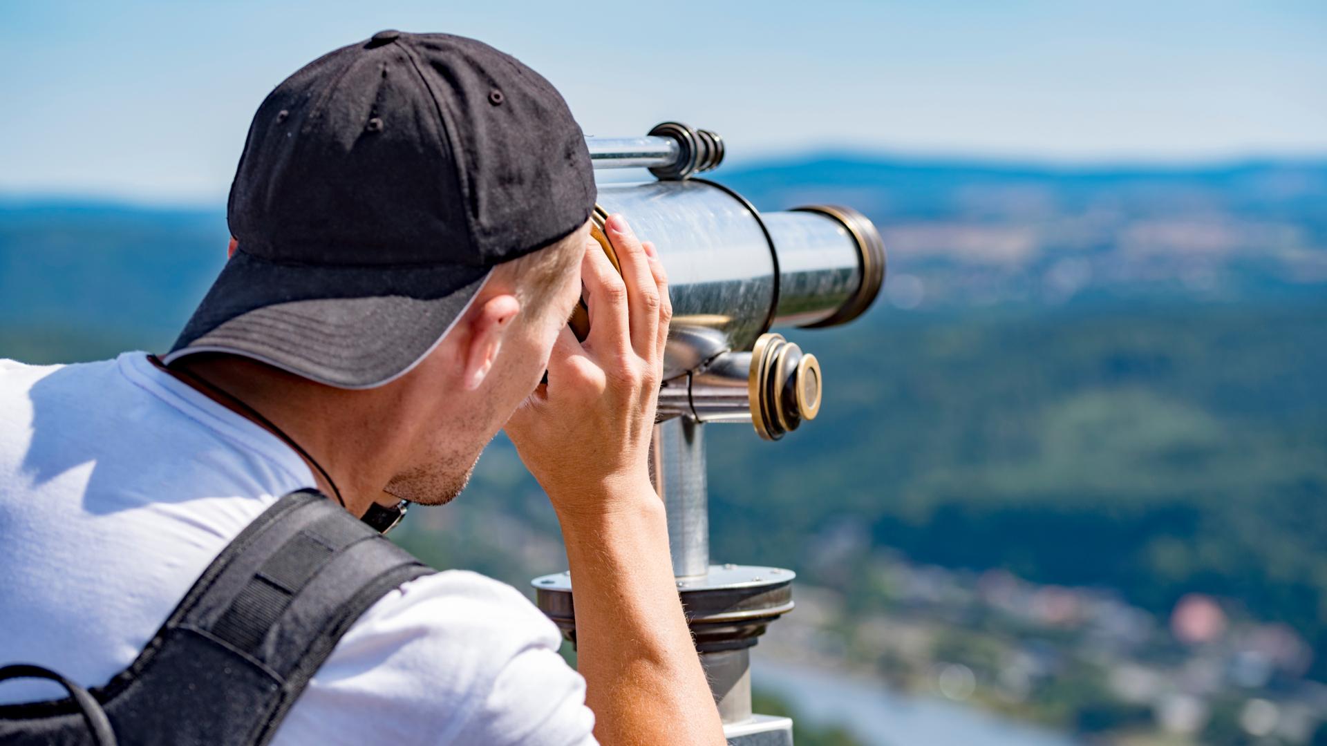 Observador em mirante