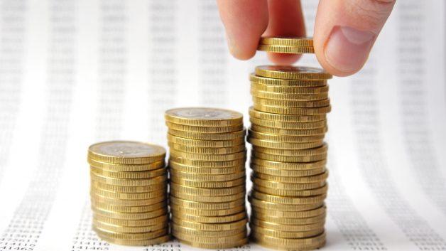 Três pilhas de moedas